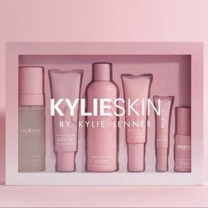 The complete Kylie Skin set BUNDLE NEW LIMITED